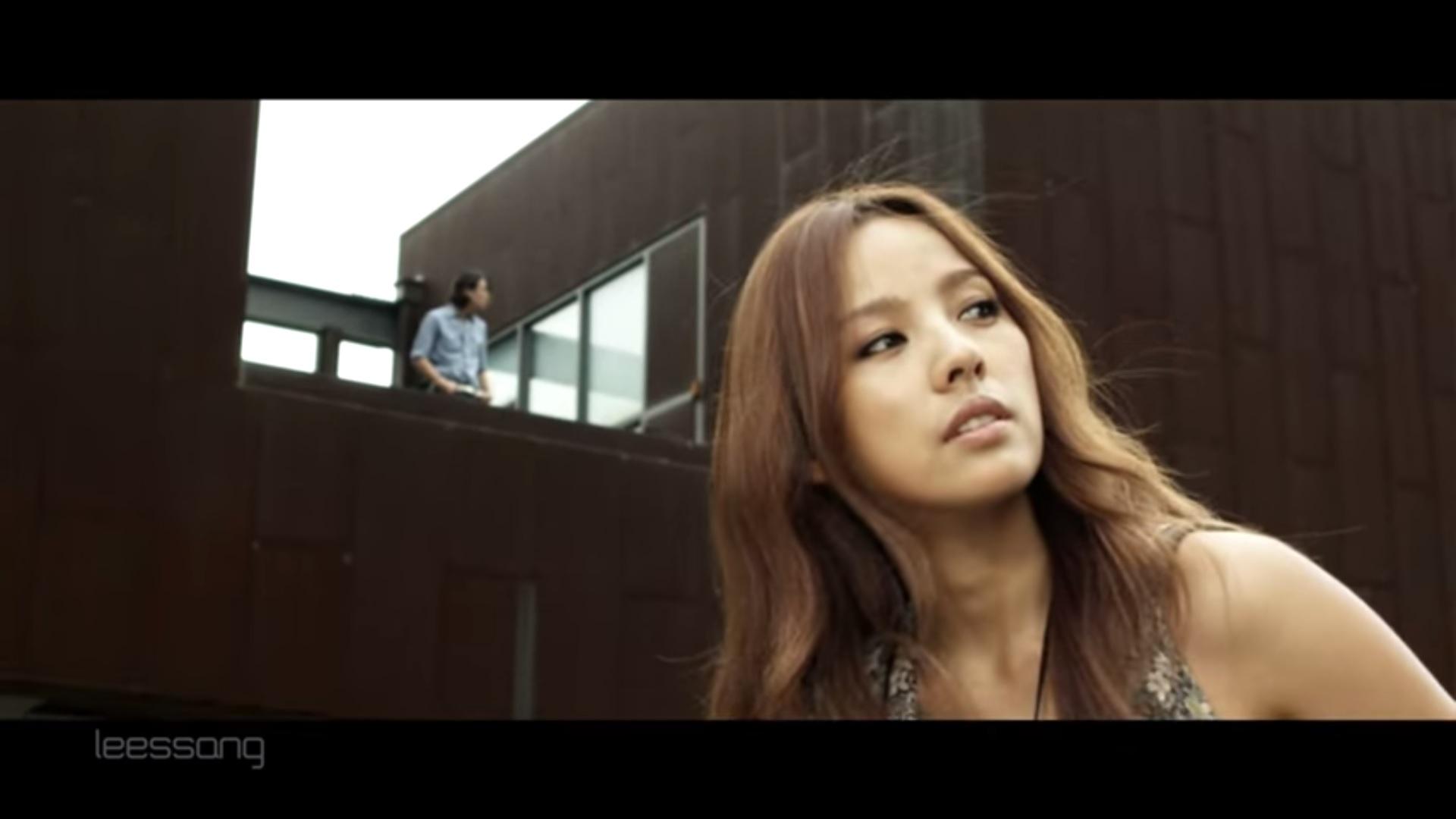小編覺得最經典的就是之前和LeeSSang合作的「不能分手的女人不能離開的男人」