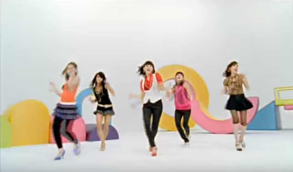 Wonder Girls - Tell Me (出道曲: Irony) 想到WG時 絕對會想起Tell me時帶起的復古潮流  *連結失效時 請連至影片出處