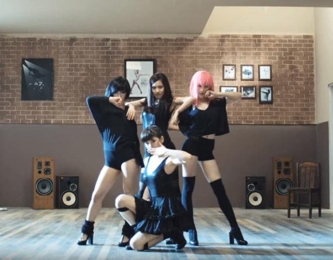 不免俗我們來聽一下 miss A 的初一位的歌曲《Bad Girl Good Girl》吧!