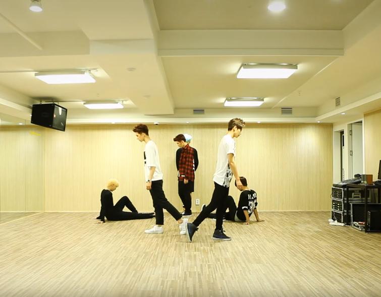N 不僅是隊內的舞蹈擔當,同時也會參與 VIXX 的排舞編排喔!