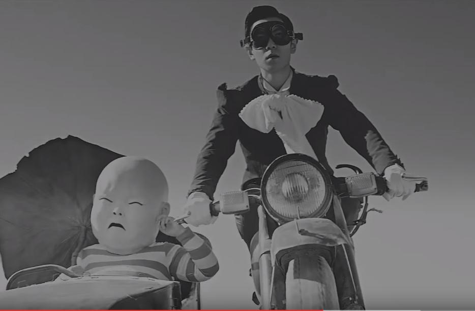 說到 T.O.P 的 SOLO 曲,當然不能漏掉這首超經典的「DOOM DADA」,根本聽到前奏就會跟著一起唱了好不~(驕傲臉)