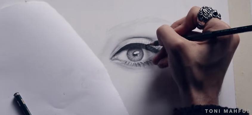 剛好對準Adele回歸,上個月上傳了這個影片 影片裡的歌還是自己親自唱的!  *無法播放時,請點擊出處