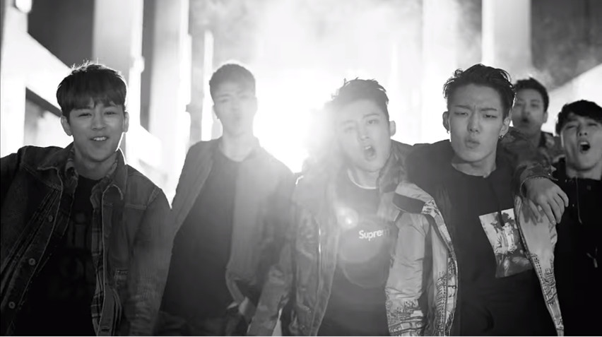iKON - ANTHEM 由iKON內的兩個個性rapper的雙人饒舌,展現強烈的力量與節奏感~讓人覺得嘻哈底的YG終於回來了!  *影片無法播放時,請點擊原出處觀看