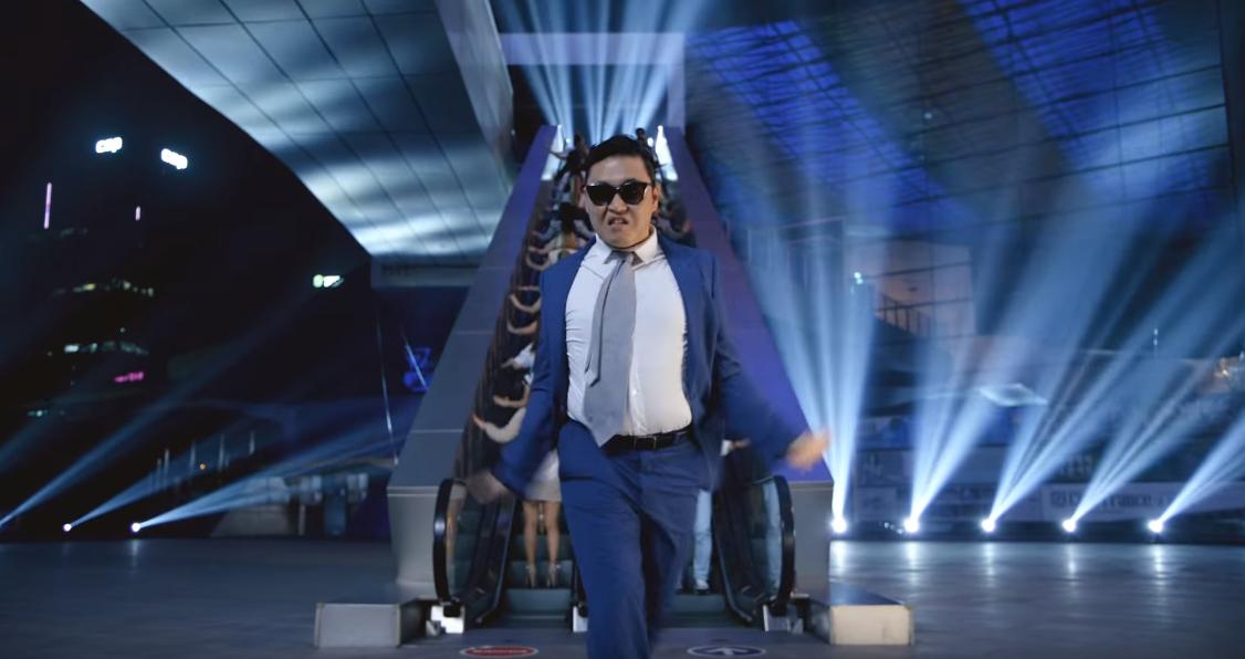 ★ No.1 ::  PSY 'DADDY' ★  第一名就是...毫不意外的 PSY 啦! 上禮拜才公開這首歌的 MV,目前的點擊率已經突破三千萬囉!