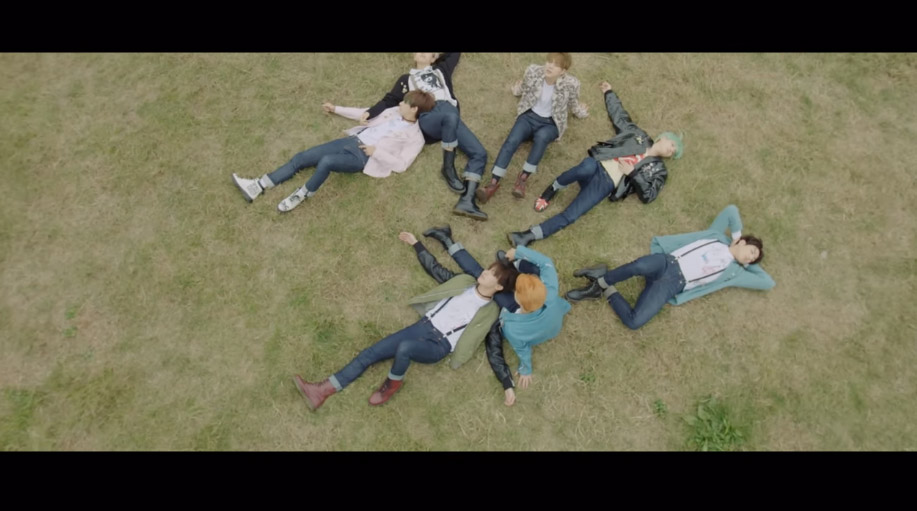 6.防彈少年團 - RUN 這MV真的很微電影,意境太難懂了啊XD