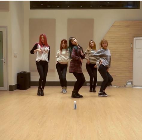 MV破了700萬後,EXID也履行之前的約定,公開了練舞影片!已經學會《Up & Down》、《Ah Yeah》的人,快點也把《Hot Pink》學起來吧!