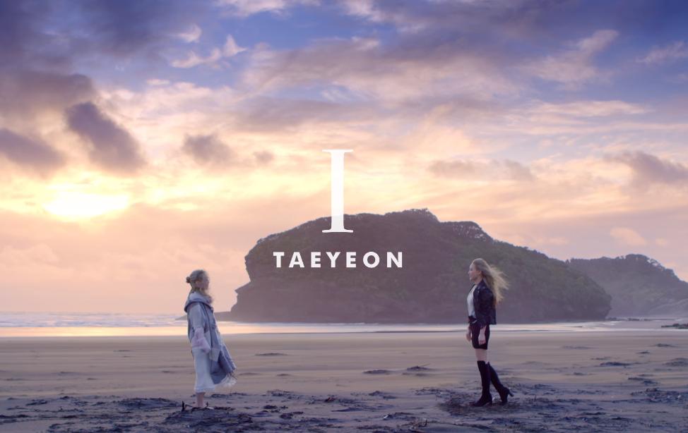 主打歌《I》是由太妍親自填詞,從這首歌可以更加認識金太妍,帶點搖滾的風格也很適合她的聲線。  * 無法播放時,請直接按出處