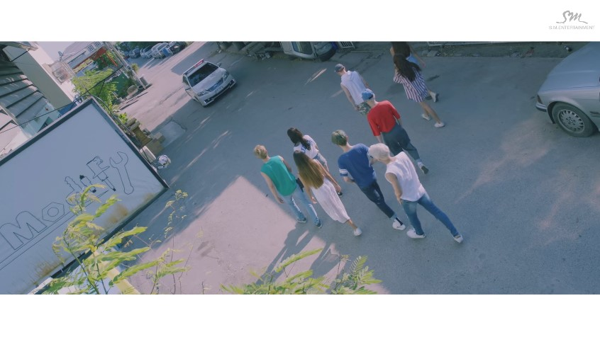 第4名 SHINee - View 播放次數: 1,404,752