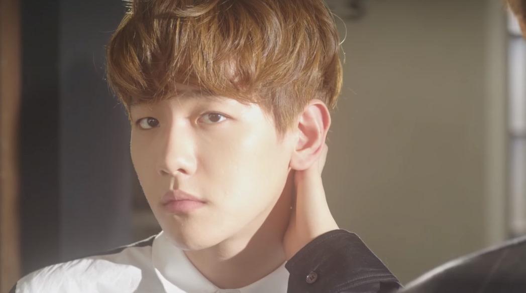 因為版權關係無法放上Chen個人在其他節目上演唱的影片,大家就一起來聽聽伯賢演唱的〈Beautiful〉吧!超好聽極推呦!!!♥