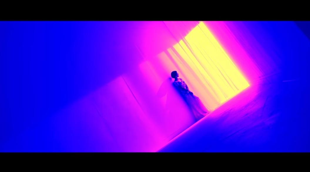 最後是R&B女王尹美萊,演唱多首膾炙人口OST歌曲的她果然不同凡響,看音源榜就可以知道今年推出的單曲〈This Love〉成績有多好~