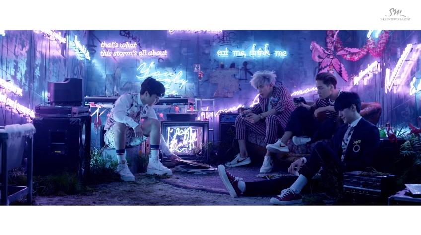 ♪第1名  EXO – LOVE ME RIGHT
