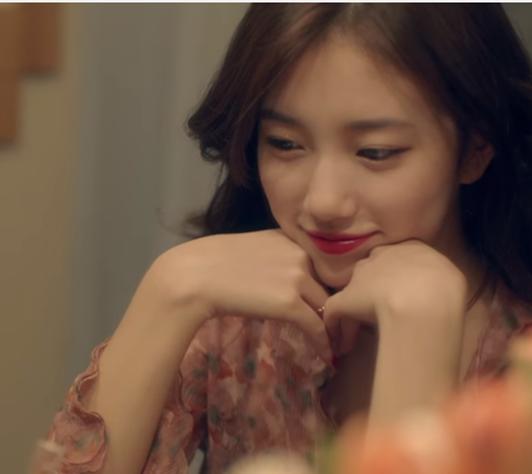 最讓人意外的就是這個組合了,SM與JYP的兩大經紀公司派出偶像成員miss A的秀智跟EXO的伯賢