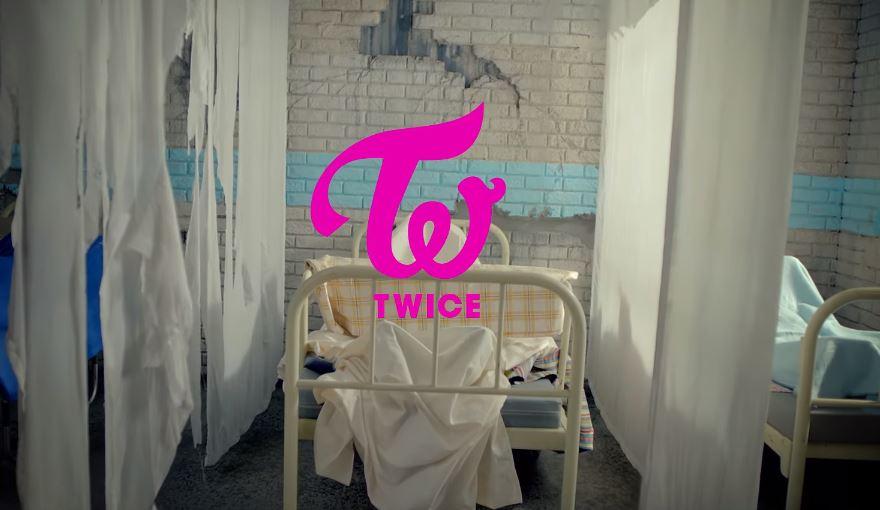★ No.7 :: TWICE 'Like OOH-AHH'  ★  超人氣新女團 TWICE 的出道曲「Like OOH-AHH」又再次回到前十名!  * 無法播放時,請直接按出處