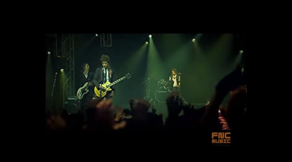 ♪CNBLUE〈孤獨的人〉