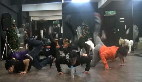 인피니트 - BTD안무 : 최고의 화제 '전갈춤'   (懶人畫面可從2:14開始觀看)