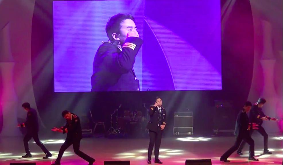 像許永生當初就很常表演自己的歌曲,不管是 SS501 的「因為我太傻」,還是自己的 solo 曲「Let it Go」,都是歌單常見的曲目。