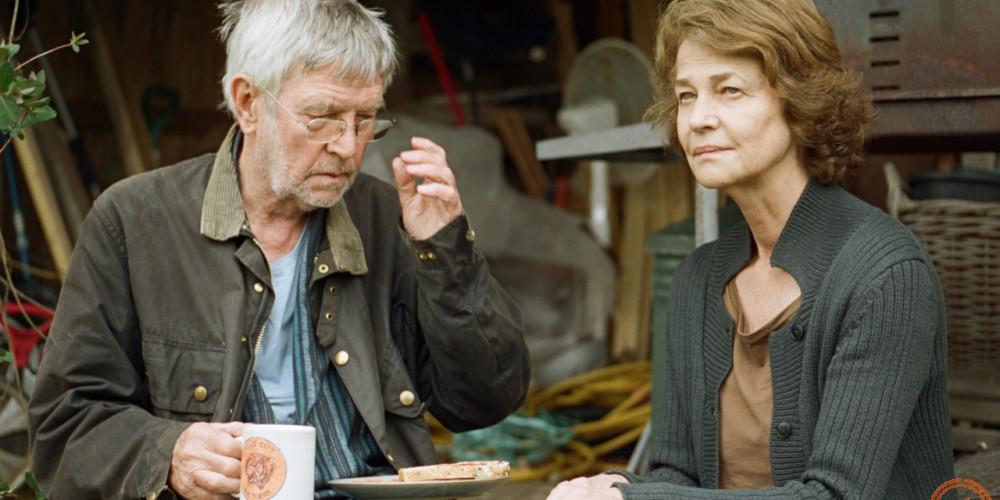 《45年》 第65屆柏林影展最佳男主角、最佳女主角。一對結婚45年的夫妻,在他們即將慶祝結婚週年慶的前夕,丈夫收到一封來信告知,在阿爾卑斯山上發現他初戀女友被冰封數十年的屍體,而這封信開始在他們的關係中逐漸發酵。