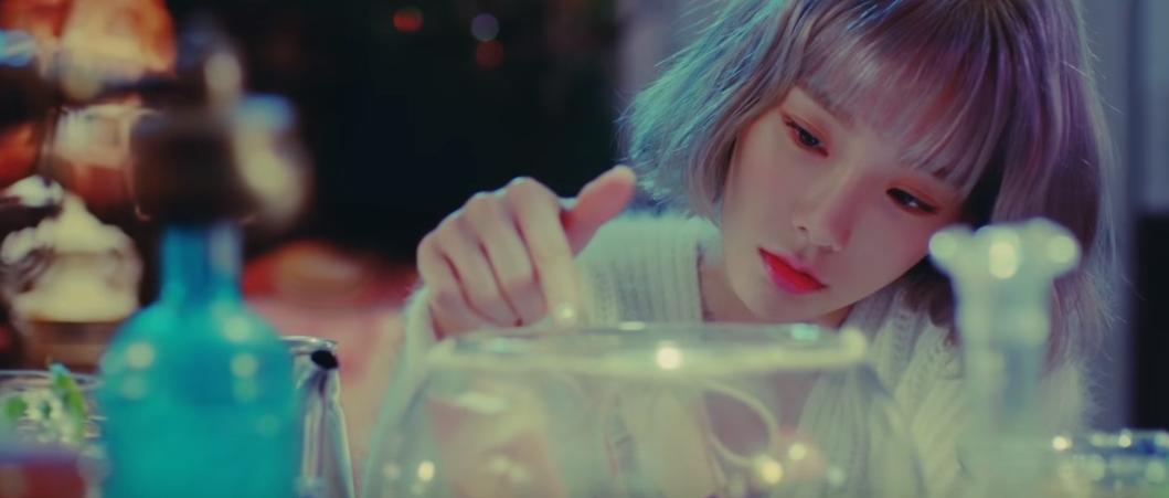 ★ No.4 :: 太妍 'Rain' ★  本週的第四名依舊是由太妍的《Rain》拿下,同時這首歌也拿到上禮拜〈人氣歌謠〉的一位寶座。  * 無法播放時,請直接按出處