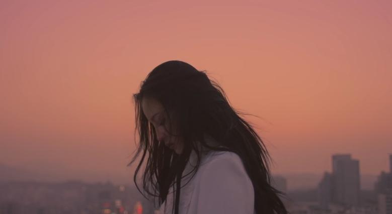 以及《한숨 (BREATHE)》的 MV  * 無法播放時,請直接按出處