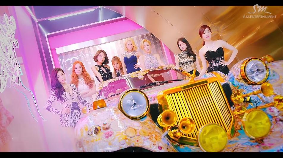 ♥第10名 〈You Think〉 這首被評為MV服裝和外貌都是最棒的歌曲!
