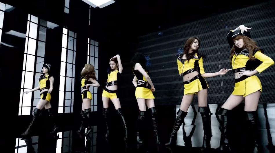 ♥第8名〈MR. TAXI〉 這首非常有中毒性,相較於其他歌曲,在韓國反而比較少人知道…