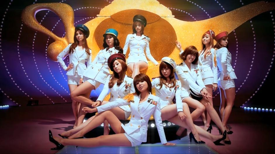 ♥第6名〈Genie〉 少女時代美腿軍舞的傳奇歌曲,這首真的已經很經典了欸♥
