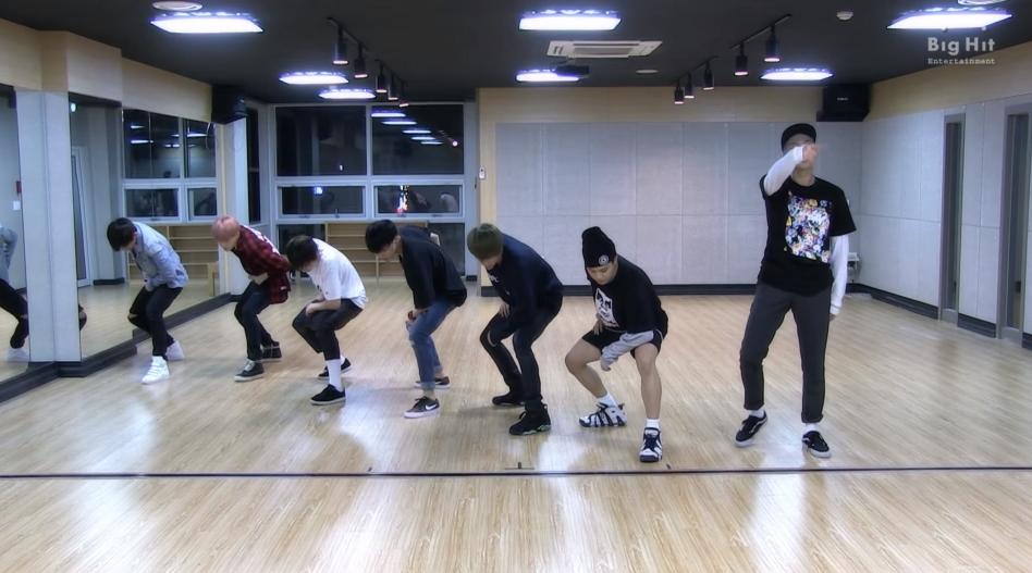 ♥第5名 〈I NEED U〉 雖然歌曲節奏蠻動感的,但有韓國網友說心情不好的時候,聽這首會聽到哭XD