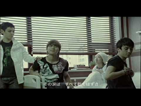 而同年不能忘的還有以《Haru haru》紅起來的BIGBANG,《haru haru》也奪下了5週的冠軍。同時還發行了《Lie》,也是一聽就會掉進無底逼變坑的大好歌!