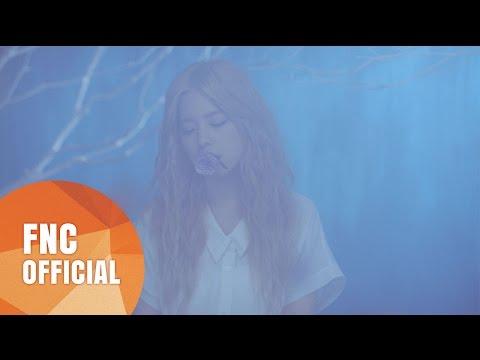 到去年推出的<Sorry>,Juniel其實有不少好聽的歌,不知道為什麼FNC不認真推她,Juniel現在也換到新公司去了...(雖然現在網友都說離開FNC好像是件好事...)