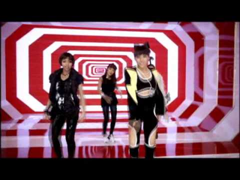 07.2NE1:Fire【11週】2009年8月17日 YG家的元祖怪物新人是她們才對啊!首張專輯的主打《Fire》才剛發行就佔在榜單上11週,只是在冰了兩年之後(未來還不知道會被冰多久)像《Fire》一樣的高人氣可能會也隨著空白期而大受影響吧…