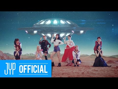 03.從來不釋出舞蹈版影片 雖然不是什麼大事,但也被Red Velvet的粉絲說「連這麼簡單的事都不做」!連個在練習室練舞的版本也可以~拜託快釋出啊!