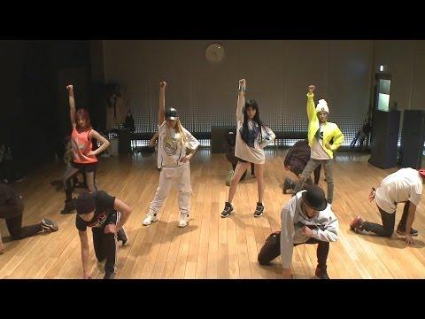 2位 2NE1 - 'COME BACK HOME' Dance Practice  點擊數 17,920,695