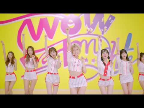 Well...如果你覺得韓國粉絲意見太多,你只要點開MV就保證能體會韓國粉絲所謂的「違合感」。看著這麼青春健康的AOA,雖然是讓人耳目一新啦…但的確是有些讓人「我~我我~我我~吐奶」啊!(AOA這次新歌的空耳)