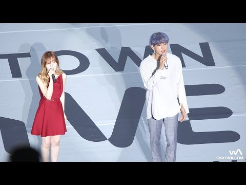 而SMTOWN演唱會最令人的感到期待的還有旗下藝人的合作舞台,這可是在其他地方都看不到的啊! 像是在這次的SMTOWN家族演唱會的特別舞台,粉絲們就可以看到EXO成員燦烈和Red Velvet成員Wendy一起演唱電視劇《鬼怪》的OST《Stay With Me》。