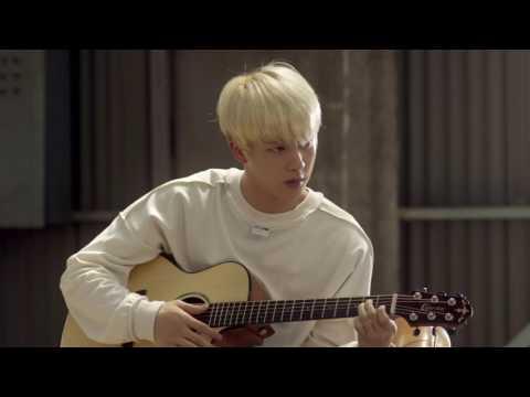 帥氣學長Jin彈吉他了!!! 搭配結尾弟弟的讚嘆