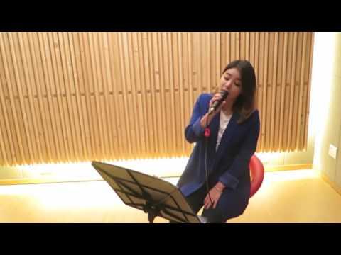 Ailee 說到Ailee就不得不提到戲劇《鬼怪》中的插曲《如初雪般走向你》,這首歌可是佔據韓國排行榜非~~常久的一首歌,尤其是好幾段需要飆高音的地方,Ailee非常輕鬆地就能駕馭,鐵肺女王當之無愧