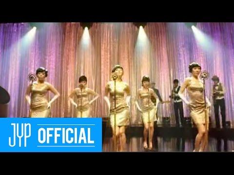 第二名 Wonder Girls-Tell me 共獲得了11票。 藉由「Tell Me」一曲獲得「國民妹妹」的稱號的Wonder Girls。當時也是憑藉著這首歌曲成為了當時韓國最紅的女子團體,「Tell Me」也造成了一股舞蹈模仿的風潮,當時韓國的大街小巷都能聽到這首歌呢!