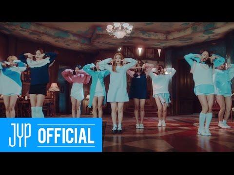 TWICE-TT 觀賞次數:246,331,023+ 風靡全韓國的這首歌,相信沒有人沒有聽過啊! 中毒的歌詞、好聽的旋律再加上好記的動作,誰能不陷入TWICE的漩渦呢~
