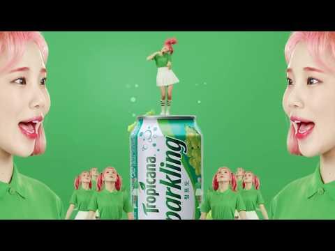 但MOMOLAND的舞台不僅是EDM版本 還有最近超紅的JooE的亂舞 由於這個廣告的爆紅 讓JooE知名度暴增!!!