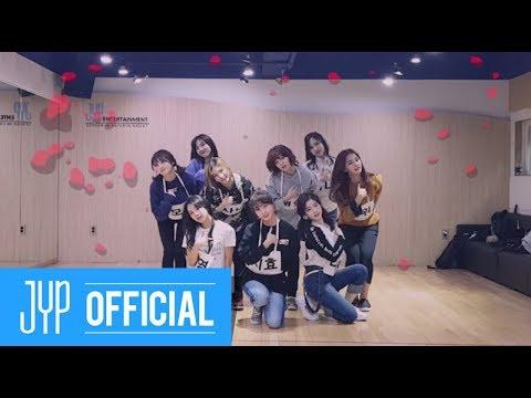 韓國偶像在回歸之前,都要經歷數十次到百次的練習,才能呈現完美的舞台,這也是為什麼幾乎每一團都能跳出刀群舞的主要原因。