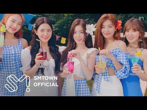 而Red Velvet的MV中,像是去年的Red Flavor跟今年的Power Up,都使用滿滿的CG效果。整首MV不但色彩鮮豔、充滿趣味,也非常符合Red Velvet充滿夏日風格的歌曲!