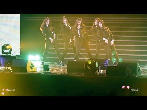 清純女團的代表詞「Apink」也曾經cover過防彈少年團的「fire」和BIGBANG的「BANG BANG BANG」!當初這表演也造成很高的討論度呢!