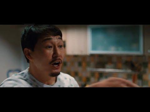 《我身體裡的那個傢伙》電影講述在學校被排擠的高中生(振永飾)從屋頂墜落後與暴力集團成員(朴誠雄飾)交換身體的喜劇電影,振永說這是一部有笑有淚的電影,觀賞完之後會讓人感到心裡變暖。