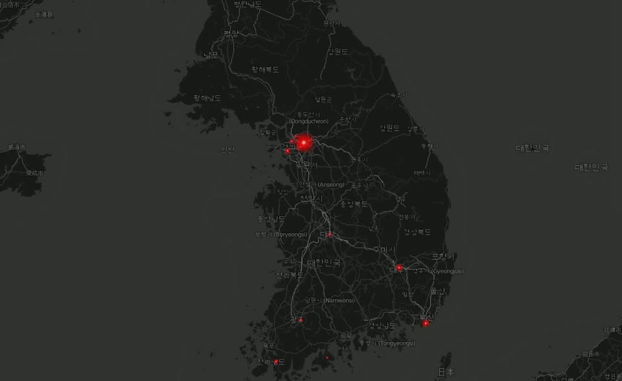 就有網友將韓國地區的圖片放大發現,竟然在北韓也有人在發有關於EXO的推特~ 大家可以看到北韓的首都平壤也在閃著微微的紅光呢!