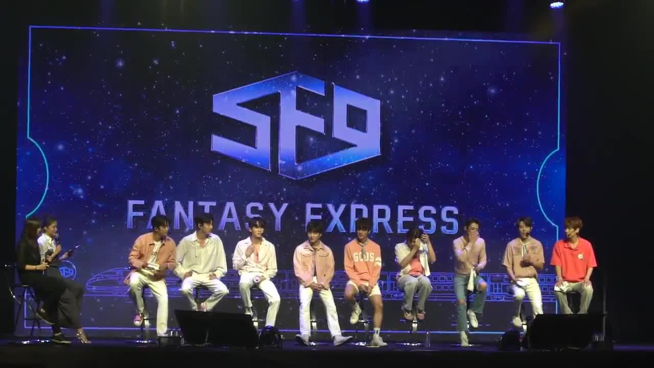 在開場表演結束後,成員們在自我介紹時秀了不少中文,尤其是隊長永斌講了一大串發音超級標準!真的很用心準備阿!