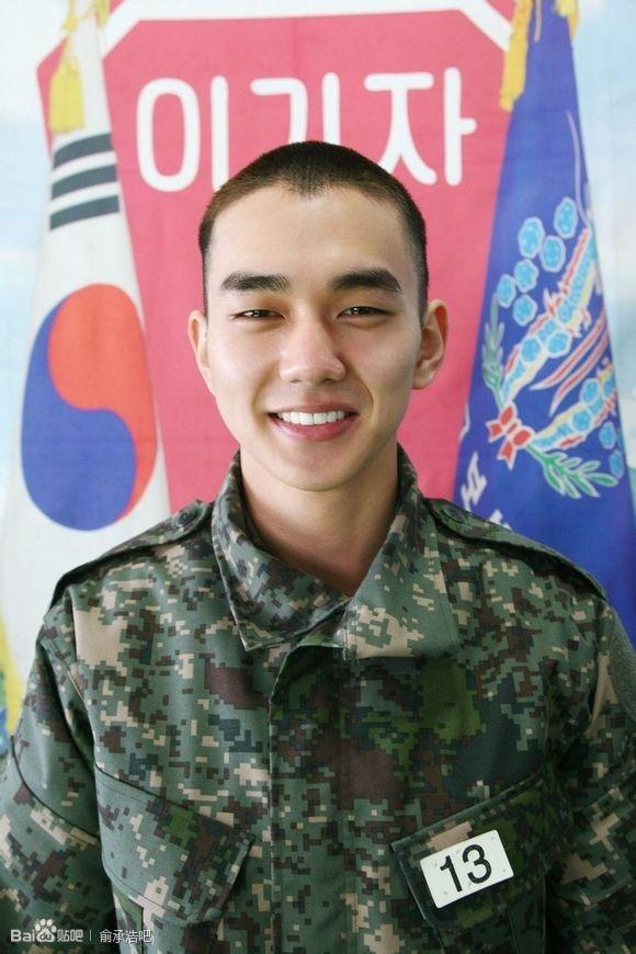 """即使入伍了,他的表現也很出色~被稱為「""""軍隊裡的明星」"""