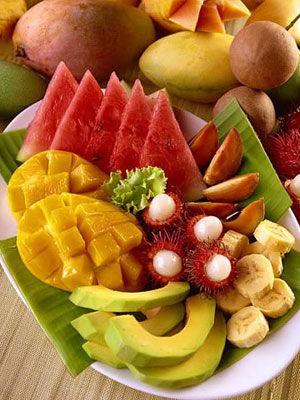 5.涼拌翠衣:  西瓜皮、黃瓜、胡蘿蔔、白酒、白醋、糖、鹽。 (wow~這也太繽紛了吧! 營養100%)