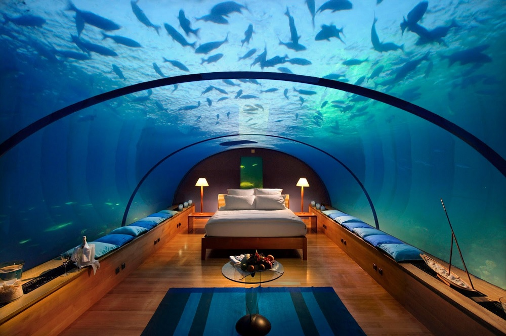 7.馬爾地夫港麗度假酒店 建造了世界第一座全玻璃的水下餐廳