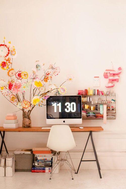 我要這個書桌!我要這個書桌!我要這個書桌!! 因為很喜歡所以講3次~
