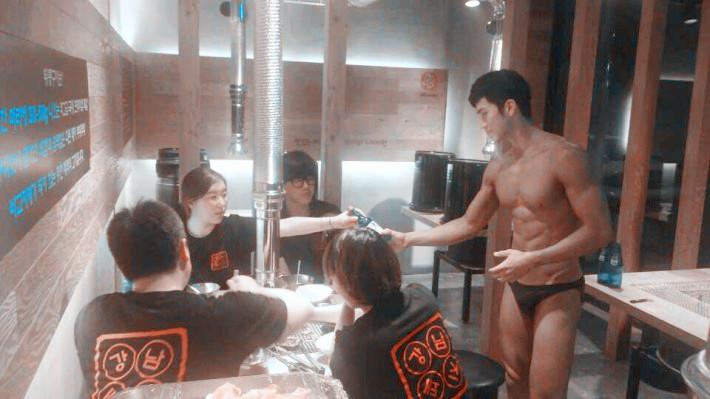 一開始報導以為是首爾的店家 但是經過鄉民肉搜 才發現是一家位於釜山梁山市的烤肉店